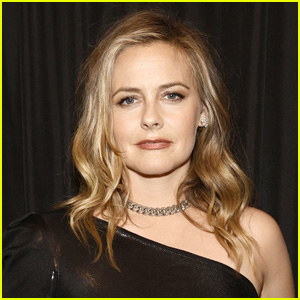 Alicia Silverstone Reacts to TikTok About Being Body-Shamed on 'Batman & Robin' Press Tour