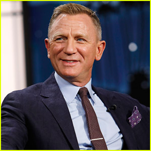 Daniel Craig Reacts To Hearing About Rami Malek's Offer To Babysit The Royal Children