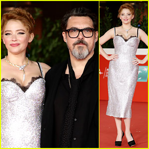 Haley Bennett & Joe Wright Couple Up at 'Cyrano' Premiere in Rome!
