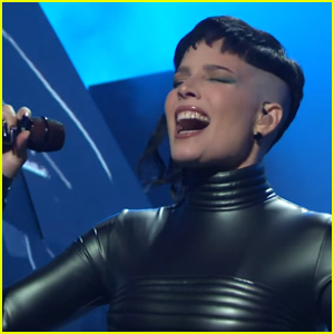 Halsey Performs 'I Am Not a Woman, I'm a God' & 'Darling' on 'Saturday Night Live' - Watch!