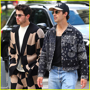 Nick Jonas Joins Brother Joe For A Midday Coffee Pick Up