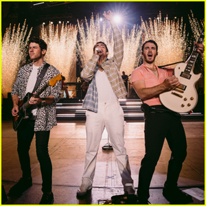 Jonas Brothers Return to Their Home State of New Jersey for Latest Remember This Tour Stop!