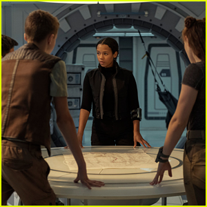 'Lost in Space' Final Season Gets Debut Teaser - Watch Now!