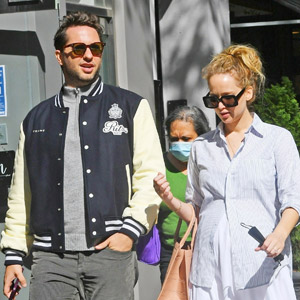 Pregnant Jennifer Lawrence Spotted at Lunch with YouTube Exec Derek Blasberg
