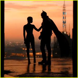 'The Batman' Trailer Starring Robert Pattinson & Zoe Kravitz Closes Out DC FanDome - Watch Now!