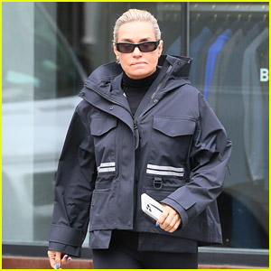 Yolanda Hadid Photographed Hours Before Zayn Malik's Statement About Their Dispute